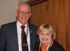 Ngaire Robertson receives a Paul Harris Award